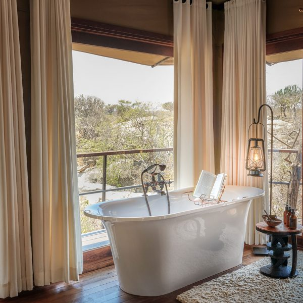 The bathtub in the Mwiba Suites with a view