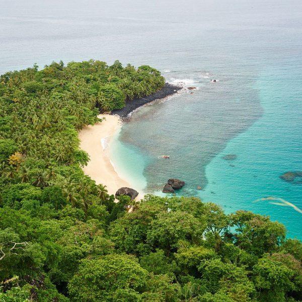 Praia Banana coastline